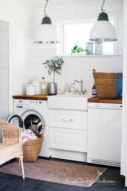 כיור בחדר הכביסה