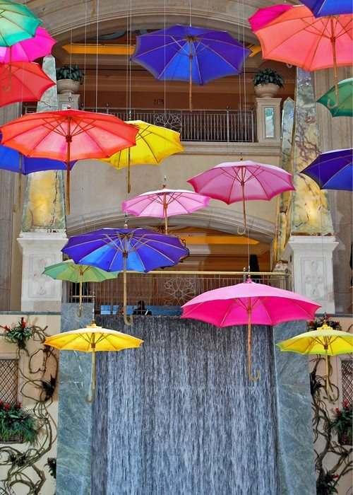 falling-rainbow-umbrellas-las-vegas
